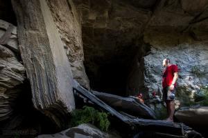 complesso-le-Grave-ingresso-grotta-di-vallone-Cufalo-min